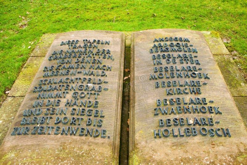 Il friedhof tedesco del cimitero nei campi della Fiandre menen il Belgio fotografia stock