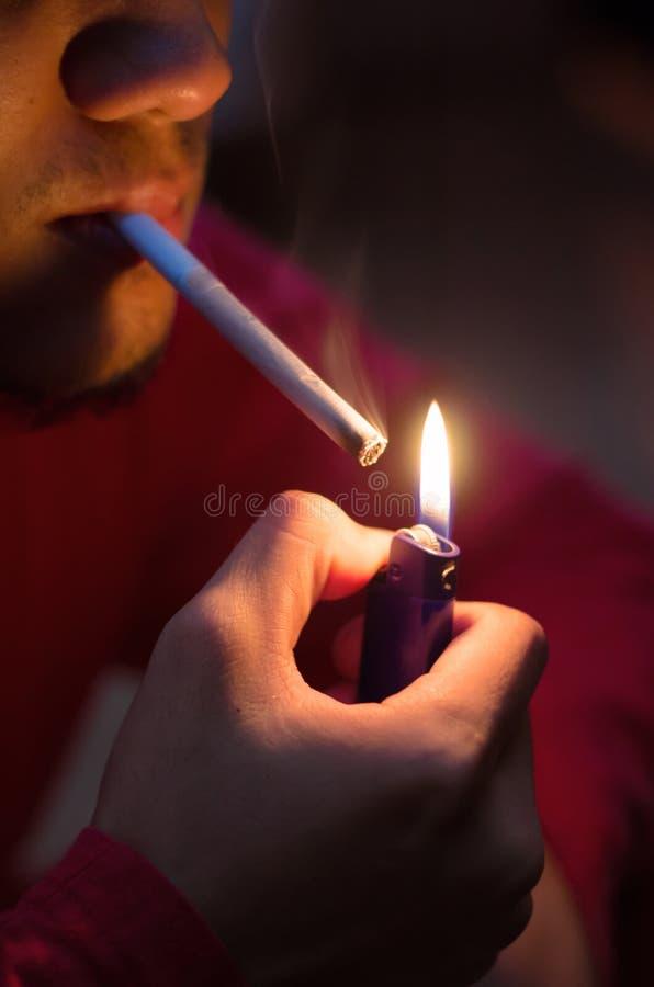 Download Il fumo è cattivo immagine stock. Immagine di salute - 30825083