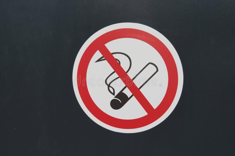 Il fumo su un fondo nero immagini stock