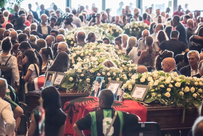 Il funerale ha tenuto per le vittime del ponte di Morandi, Genova immagine stock
