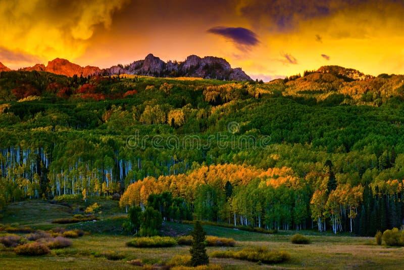 Il fuoco dell'autunno fotografia stock