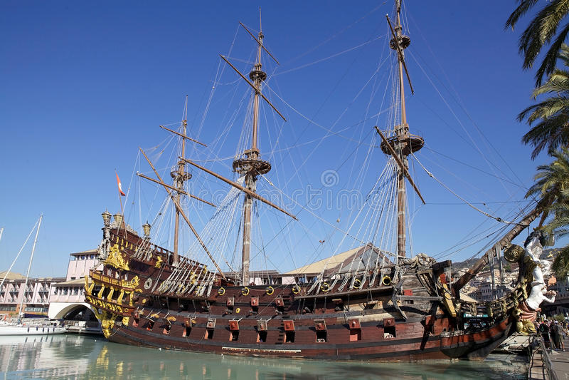 Il galeone Nettuno a Genova, Italia fotografie stock