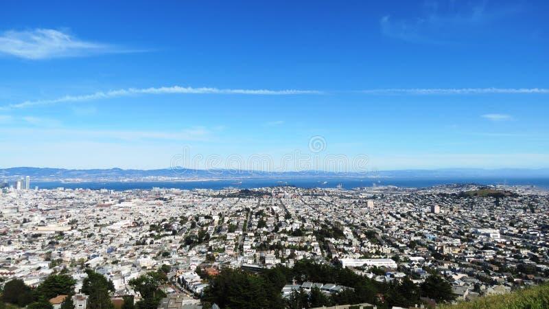 Il gemello alza Colin verticalmente a San Francisco immagine stock