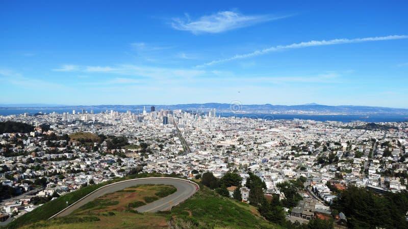 Il gemello alza Colin verticalmente a San Francisco fotografia stock libera da diritti