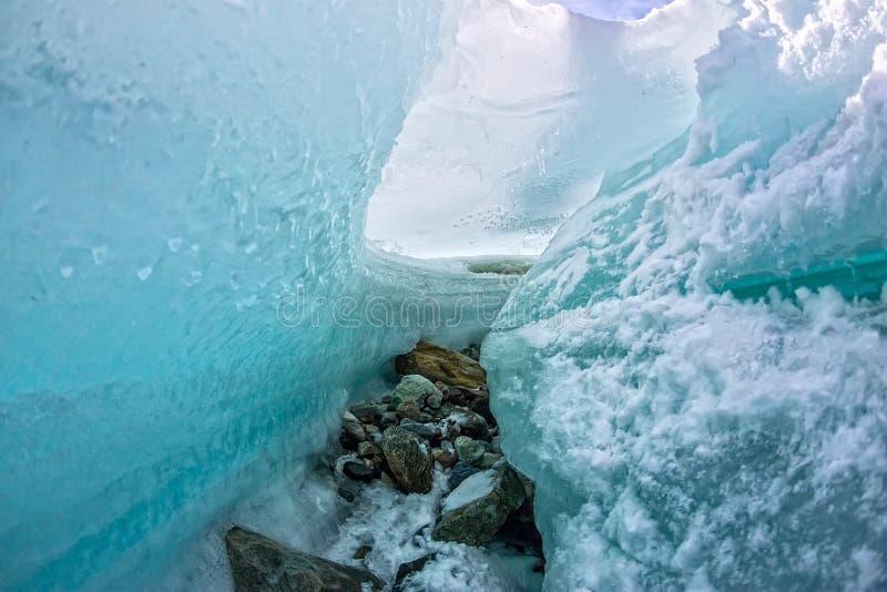 Il ghiaccio irrompe il ghiacciaio blu di fusione immagini stock libere da diritti