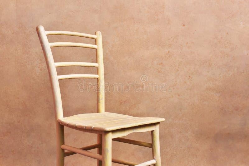 Il giallo della sedia fotografia stock libera da diritti