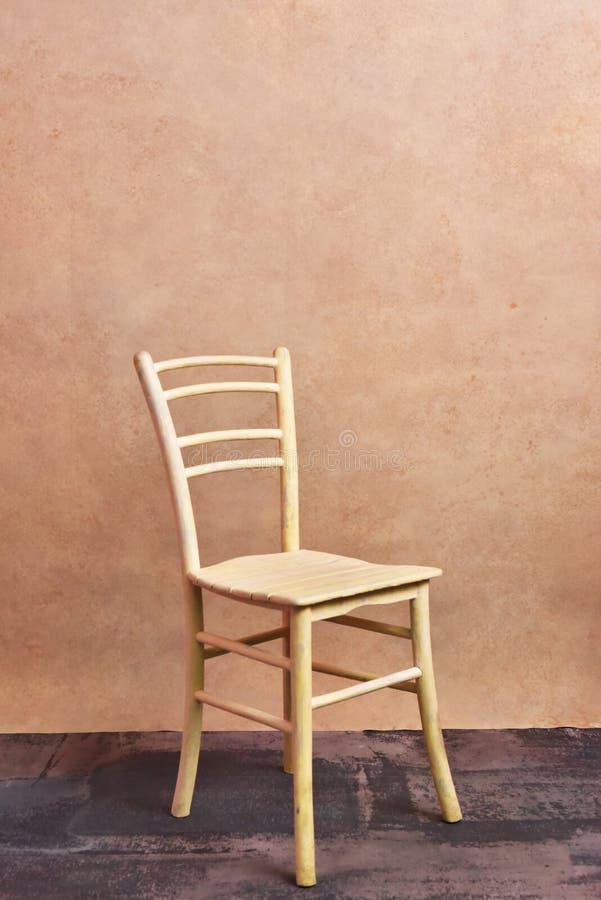 Il giallo della sedia immagini stock libere da diritti