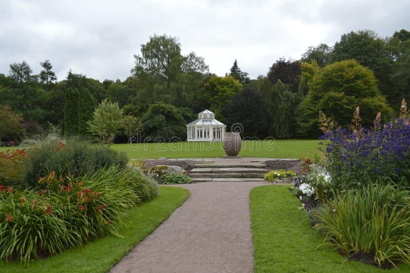 Il giardino - 5 fotografie stock libere da diritti