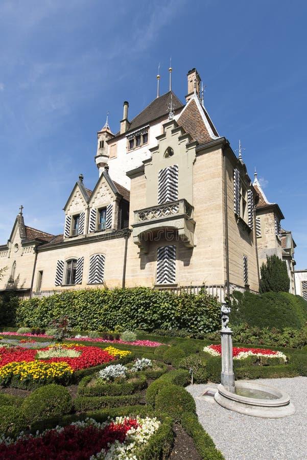 Il giardino del castello di Oberhofen, Svizzera immagine stock libera da diritti