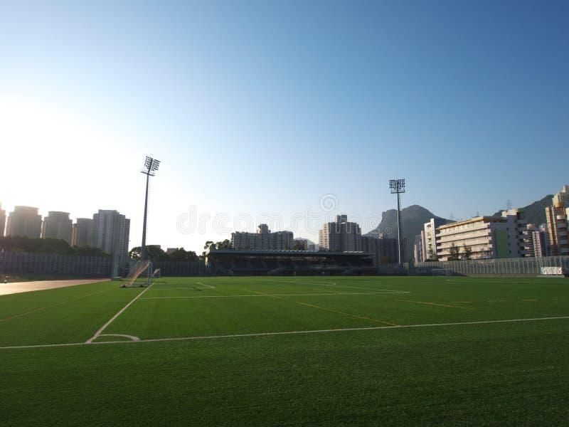 Il gioco del calcio di calcio mette in mostra la corte fotografia stock libera da diritti