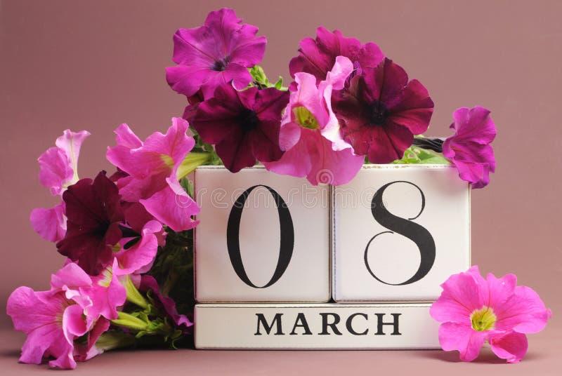 Il giorno delle donne internazionali, l'8 marzo, calendario fotografia stock