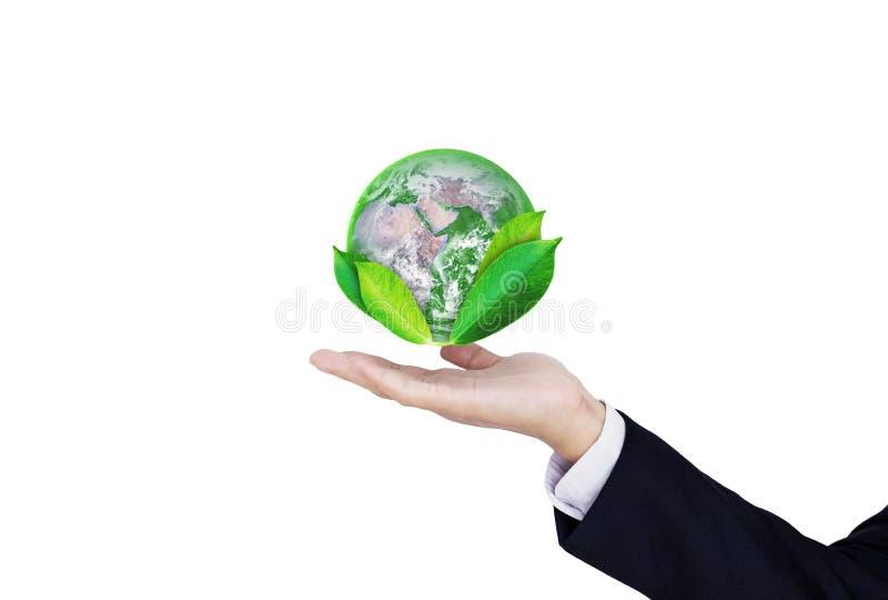 Il giorno di terra, protegge il mondo con l'ambiente e l'affare ecologico Globo della tenuta della mano dell'uomo d'affari con le fotografia stock libera da diritti