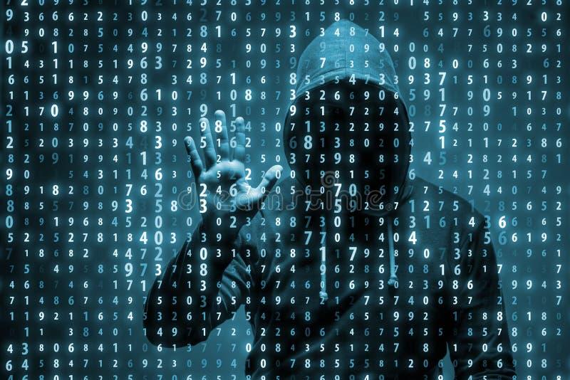 Il giovane pirata informatico nel concetto di protezione dei dati fotografia stock