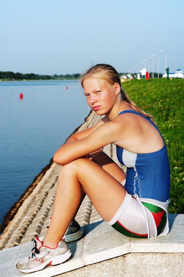 Il giovane sportswoman fotografia stock