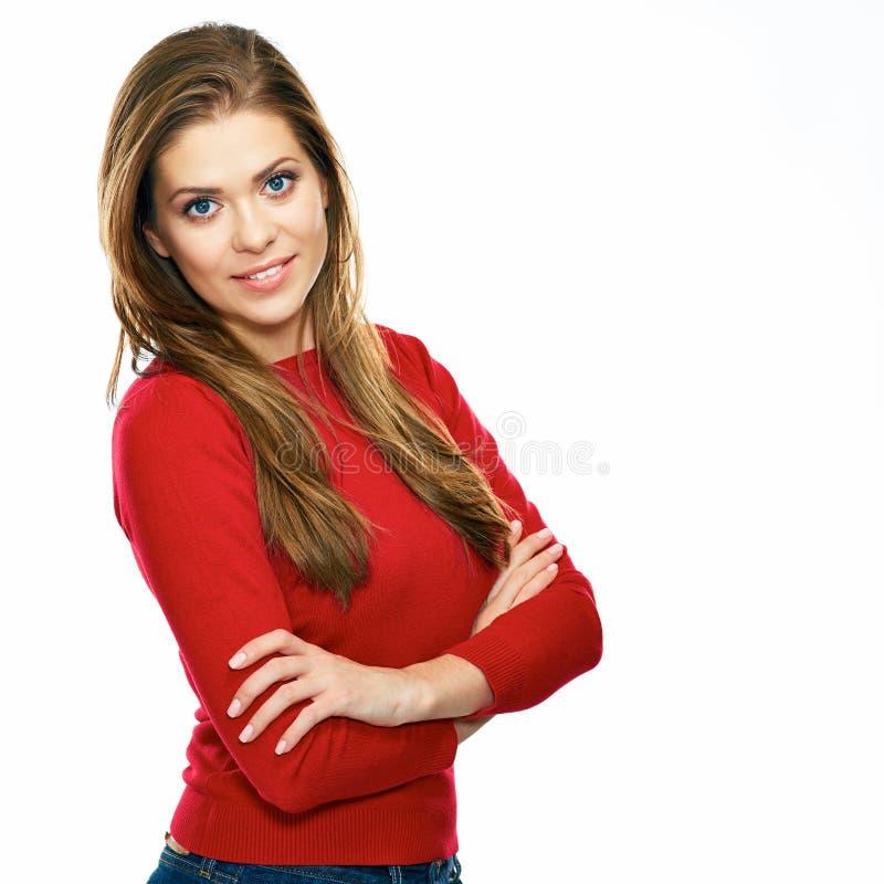 Il giovane stile casuale si è vestito in donna rossa che posa contro le sedere bianche fotografie stock
