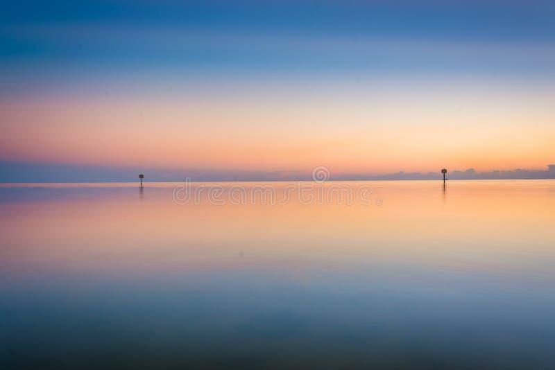 Il golfo del Messico al tramonto, visto dalla spiaggia di Smathers, Key West fotografia stock