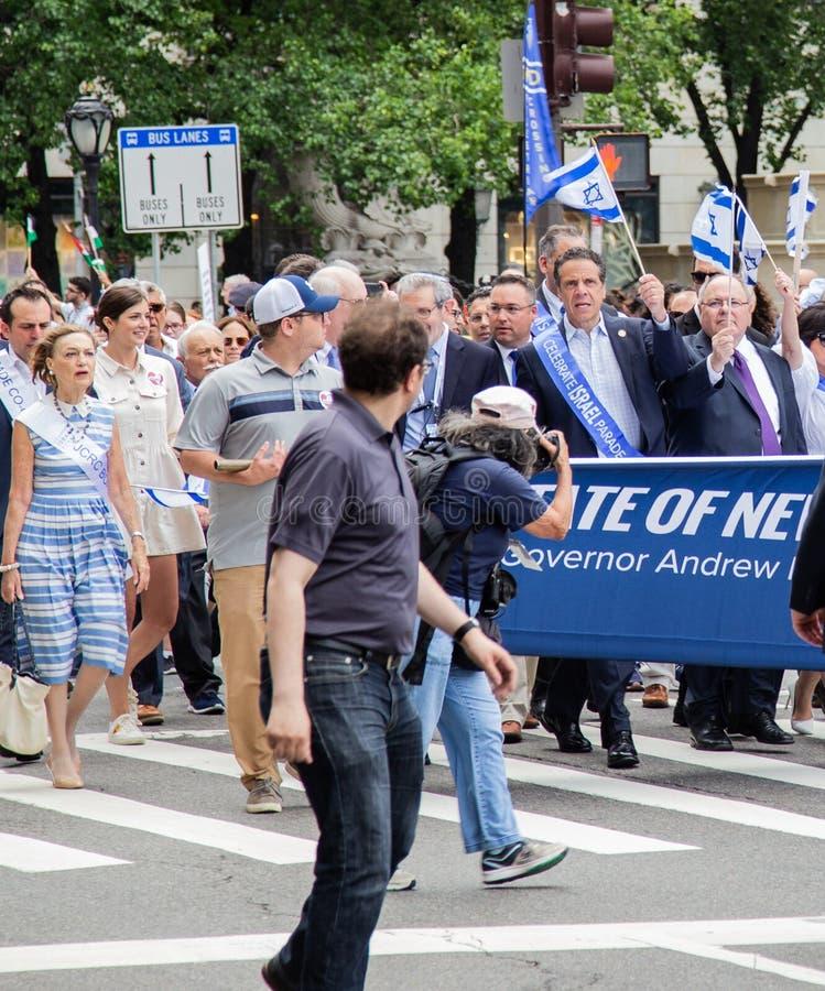 """Il governatore Andrew Cuomo al cinquantacinquesimo annuale """"celebra """"la parata israeliana in New York immagini stock libere da diritti"""