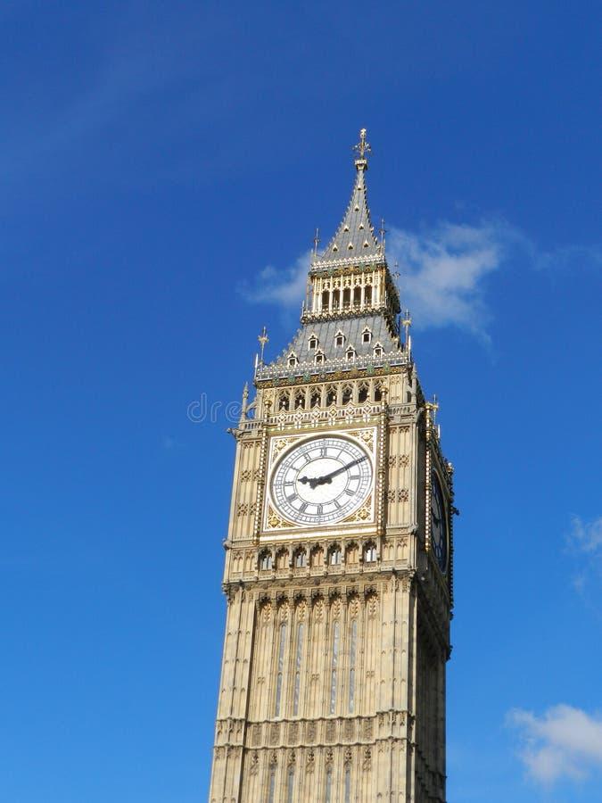 Il grande Ben, Londra Il Regno Unito Cielo blu fotografia stock