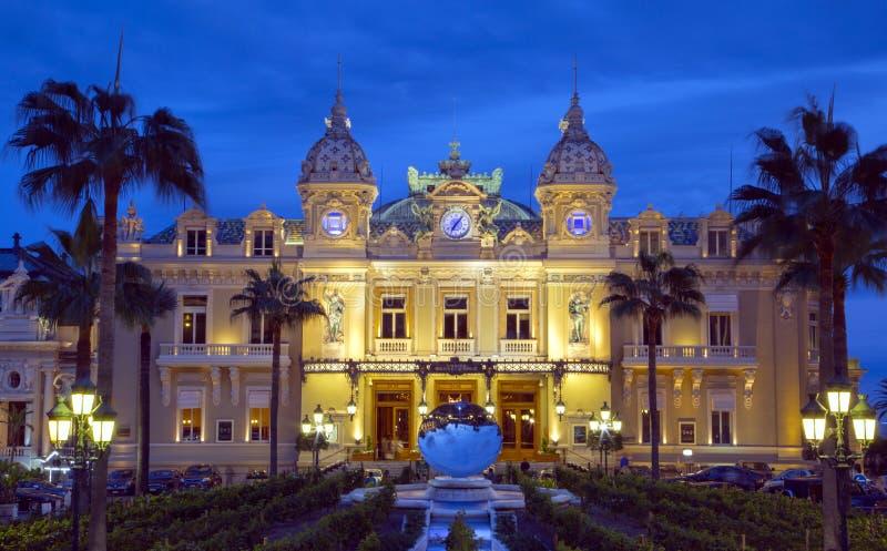 Il grande casinò nel Monaco alla notte fotografia stock libera da diritti