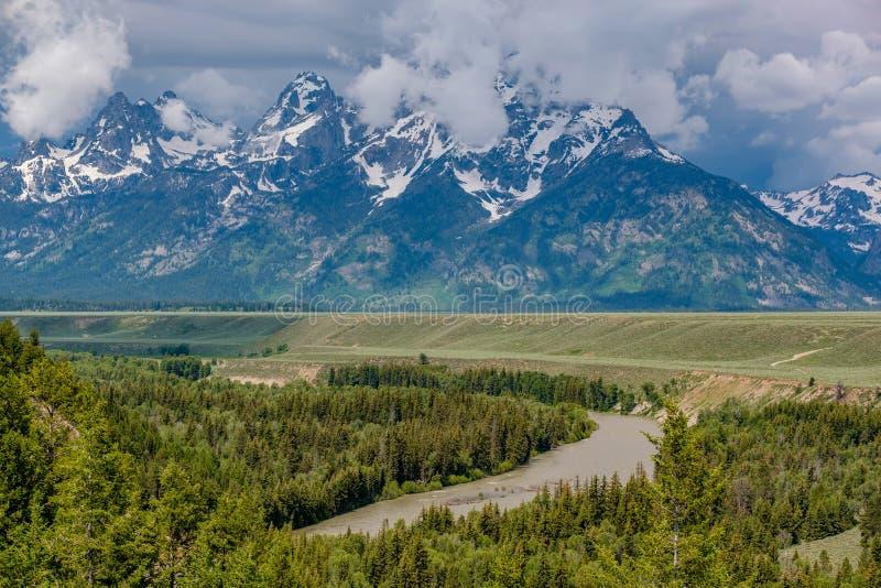 Il grande Mountain View di Teton dal fiume Snake trascura fotografia stock