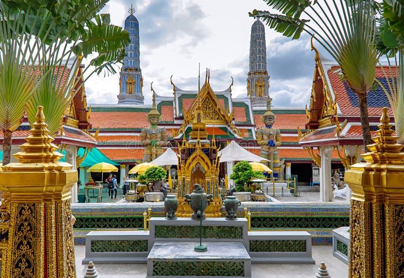 Il grande palazzo, il tempio più famoso e punto di riferimento della Tailandia fotografia stock