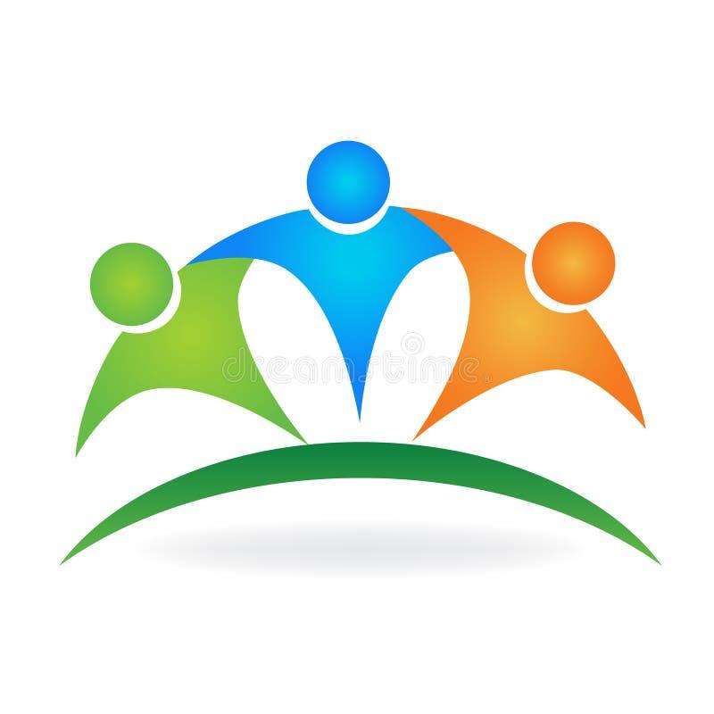 Il gruppo felice ha abbracciato l'illustrazione di logo dell'icona royalty illustrazione gratis