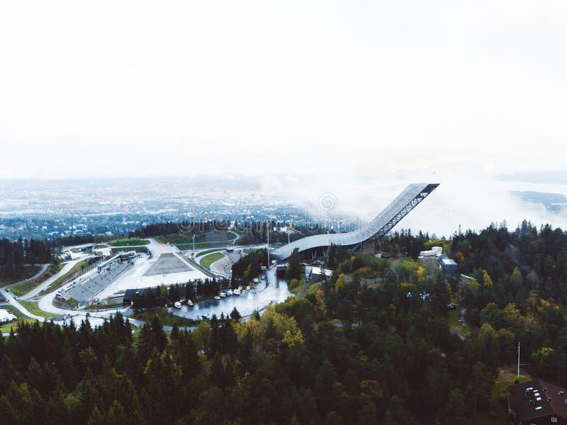 Il Holmenkollen Ski Jump fotografia stock libera da diritti