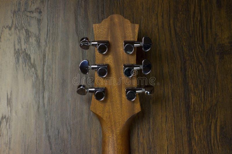 Il jazz del fingerstyle del musicista del chitarrista di musica del gioco di vibrazione sonora di arte di creatività dell'intarsi fotografie stock libere da diritti