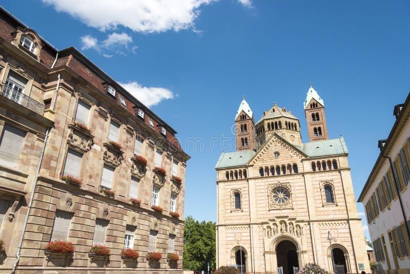 Il Kaiserdom a Speyer Germania di estate fotografia stock libera da diritti