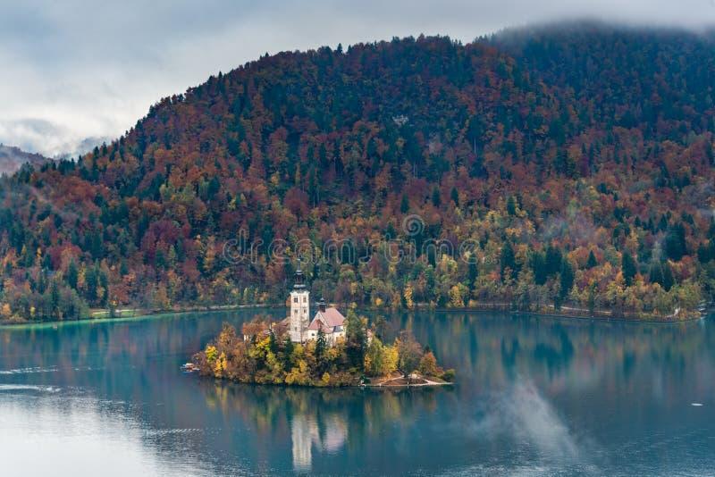 Il lago ha sanguinato la Slovenia in autunno immagini stock libere da diritti