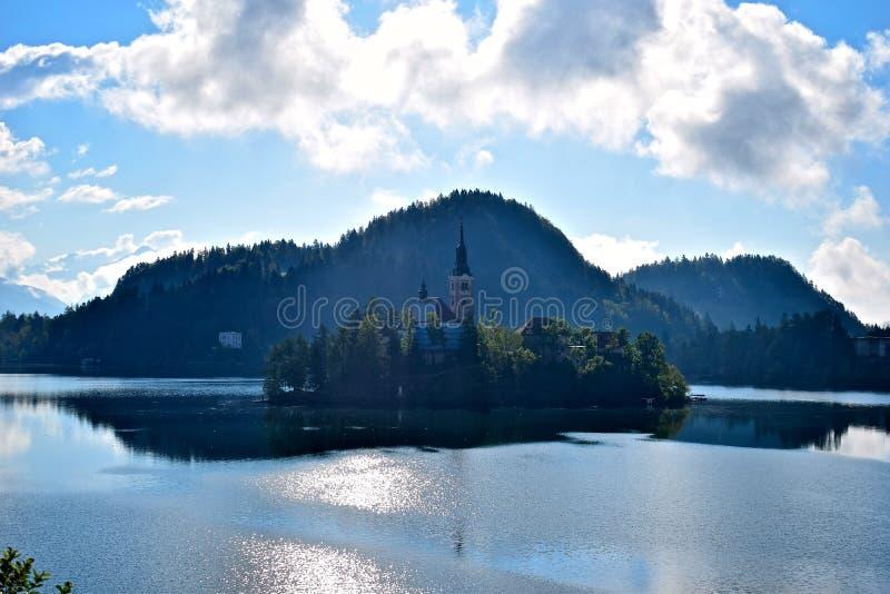 Il lago ha sanguinato in Slovenia immagini stock libere da diritti