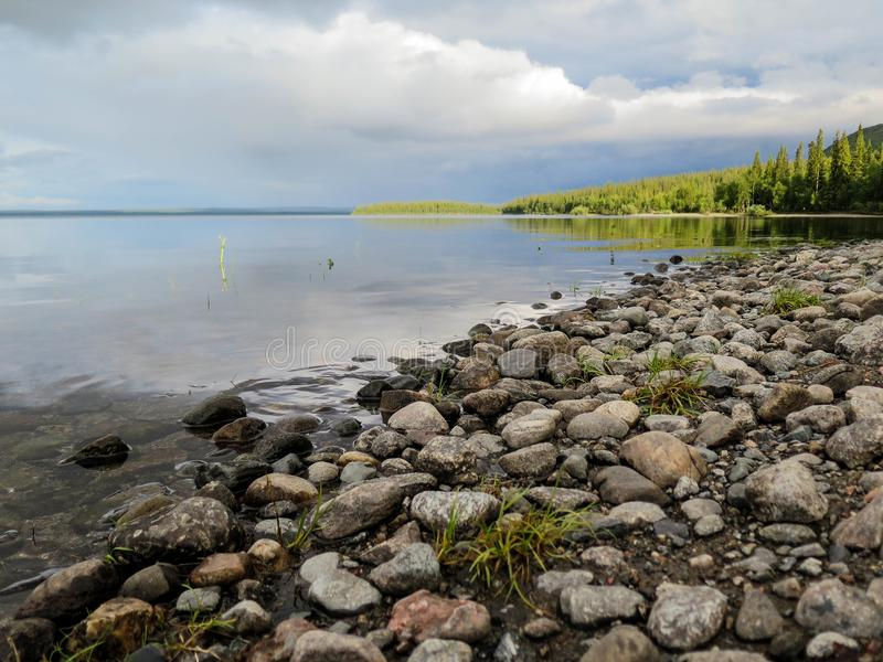 il lago vicino alla riserva fotografia stock