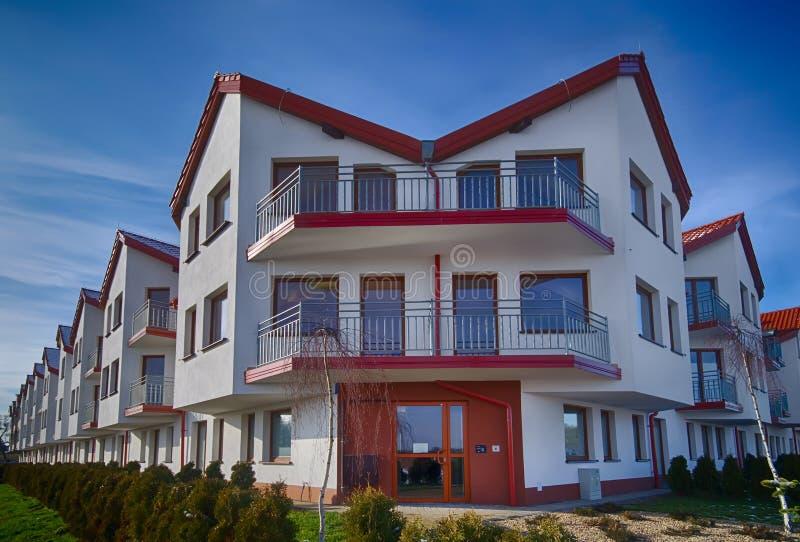 Nuova costruzione di appartamenti immagine stock