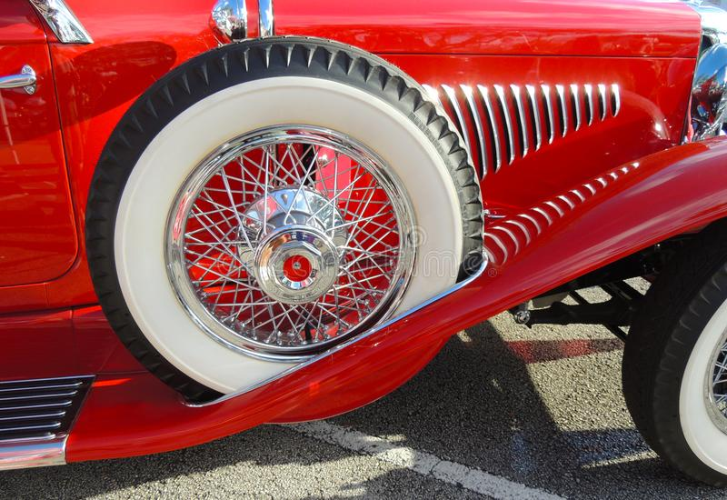 Il lato dell'auto classica di Duesenberg fotografia stock libera da diritti