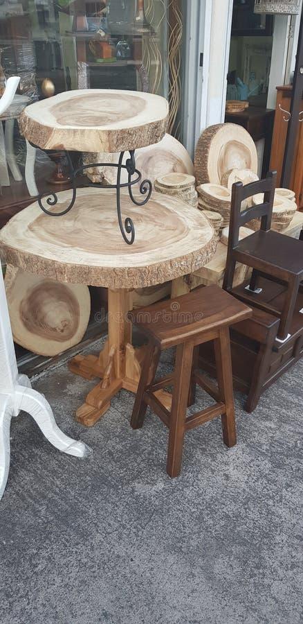 Il legno intorno alle mini tavole fotografia stock