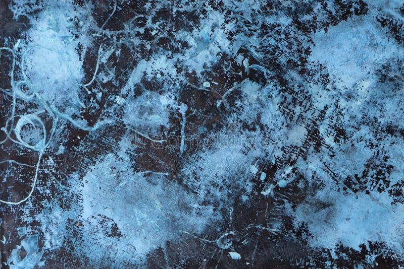 Il lerciume fresco dell'estratto decorativo vede il fondo scuro blu della parete dello stucco fotografia stock libera da diritti