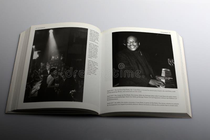 Il libro di fotografia di Nick Yapp, signora Day canta i blu fotografia stock libera da diritti