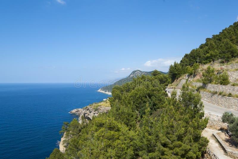 Il litorale del Mar Mediterraneo fotografie stock libere da diritti