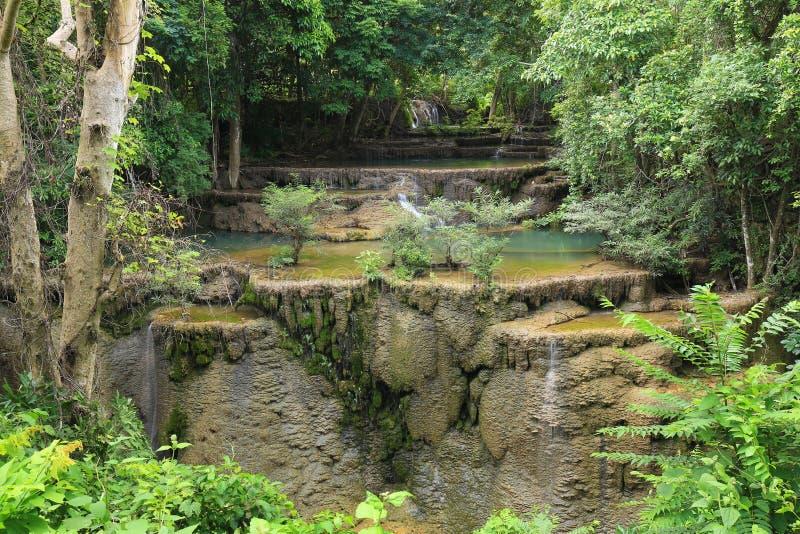 Il Livello 4 della cascata di Huay Mae Kamin si asciuga di estate, Kanchanab fotografia stock libera da diritti