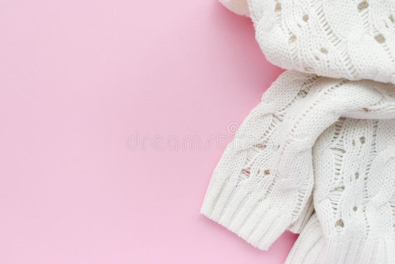 Il maglione delle donne bianche fotografia stock libera da diritti