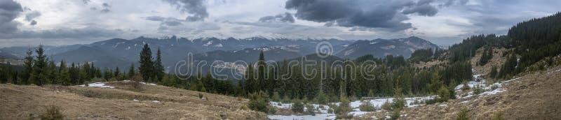 Il maltempo sulla cresta di Chornohora carpathians fotografie stock libere da diritti