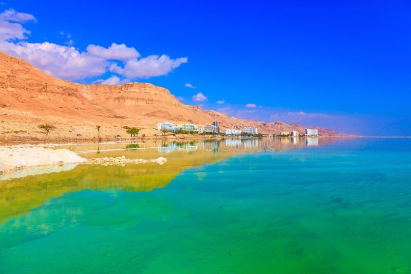 Il mar Morto alla costa di Israele immagine stock