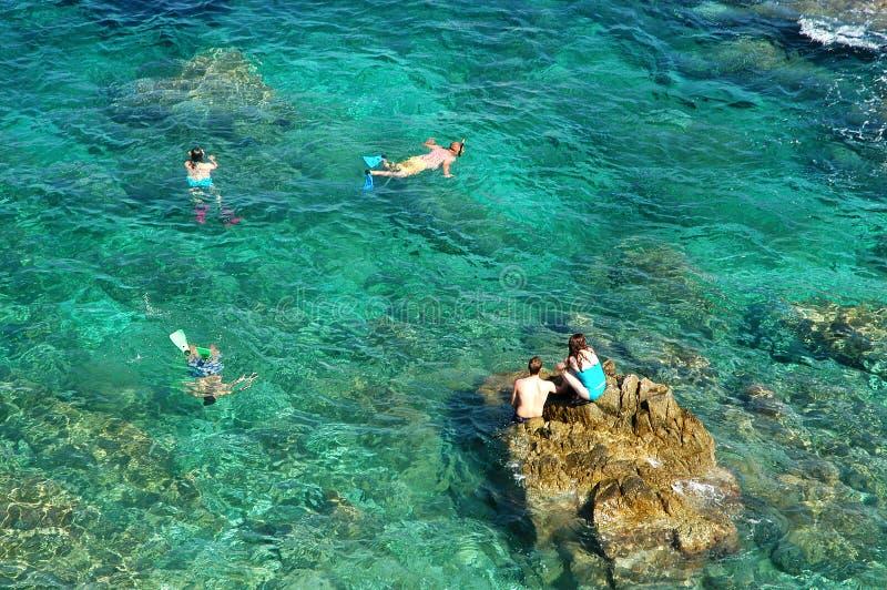 Il mare blu immagini stock