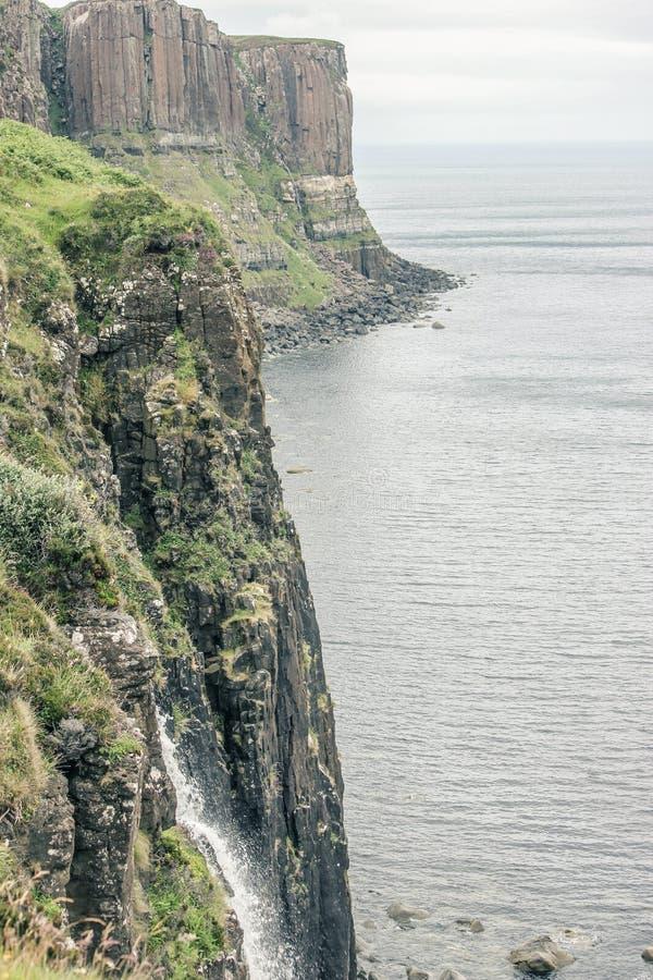Il mare e Cliff In Scotland fotografia stock