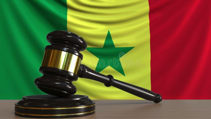 Il martelletto ed il blocchetto del giudice contro la bandiera del Senegal Rappresentazione concettuale 3D della corte senegalese illustrazione di stock