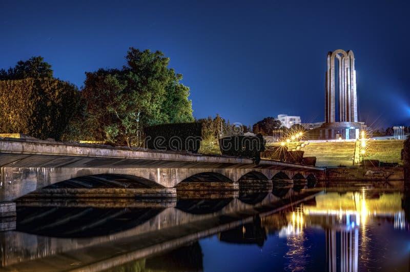 Il mausoleo degli eroi rumeni in Carol Park, Bucarest a Ni fotografia stock