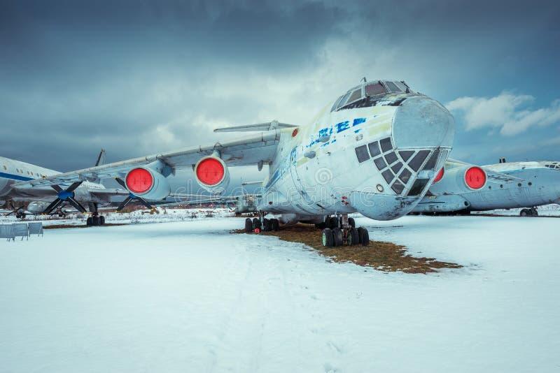 IL - 76MD - wojskowego przewieziony samolot fotografia stock