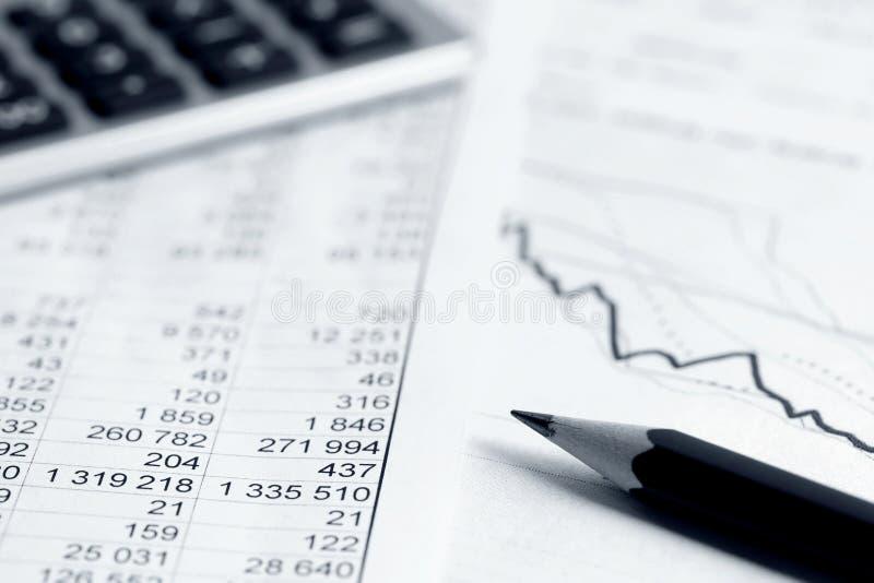 Il mercato azionario di conto finanziario rappresenta graficamente l'analisi fotografie stock