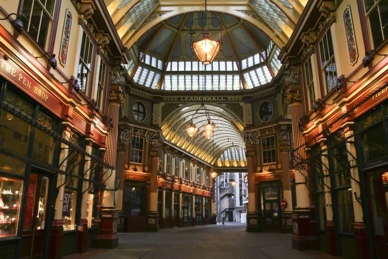Il mercato di Leadenhall ha coperto la città del centro commerciale di Londra Regno Unito immagini stock