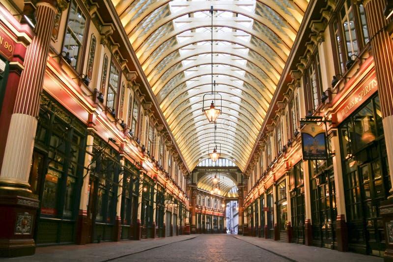 Il mercato di Leadenhall ha coperto la città del centro commerciale di Londra Regno Unito fotografie stock libere da diritti